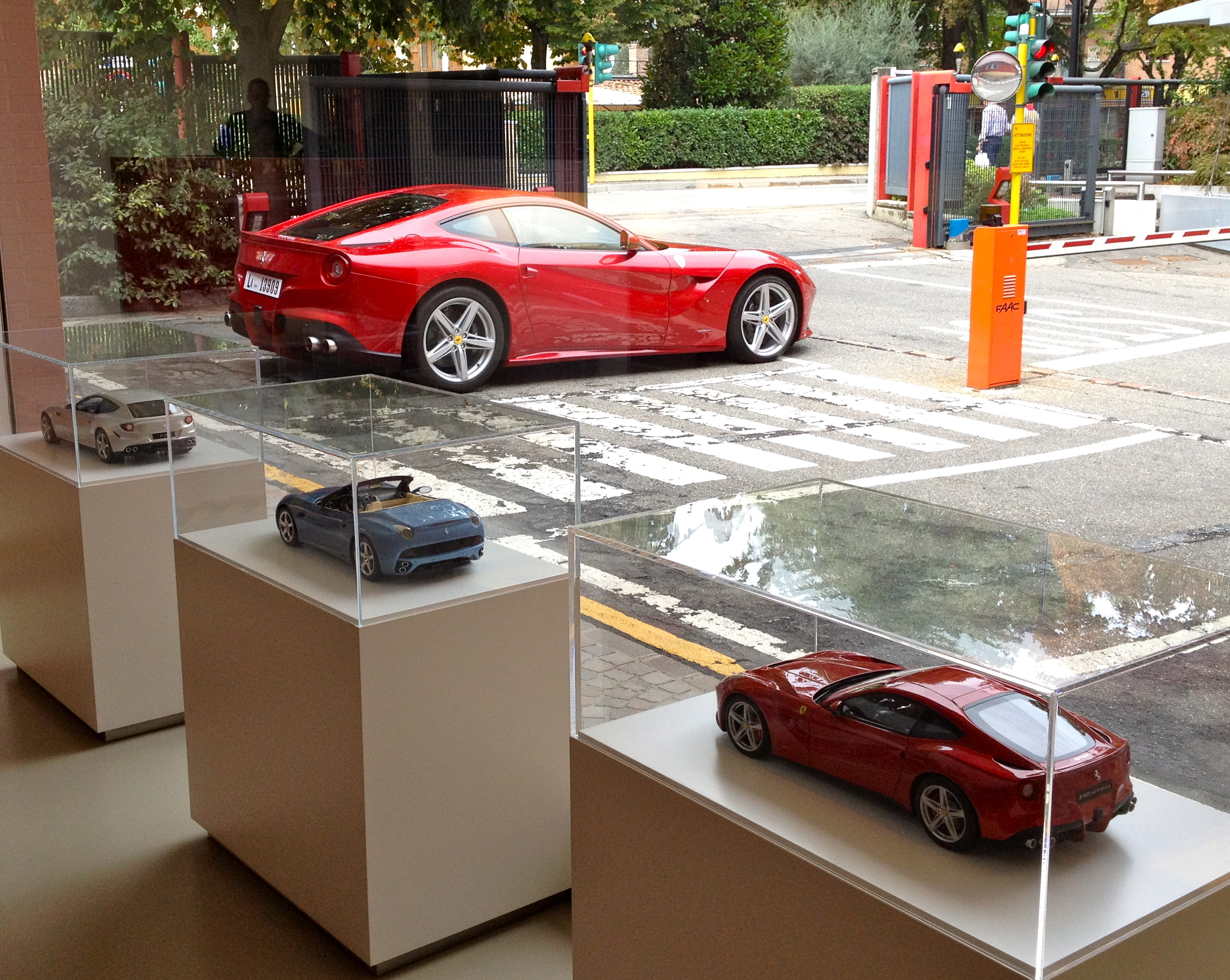 ferrari rental real day front cars exterior for huracan car italy side in luxury a rear com lamborghini exotic rent