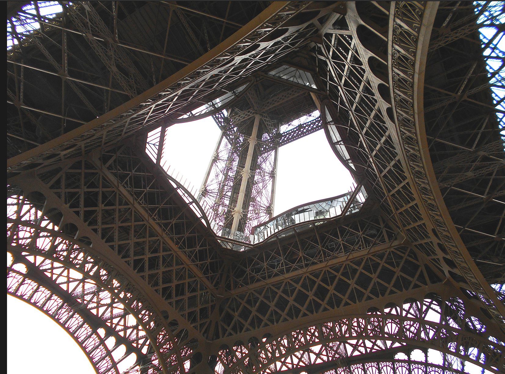 Please note eiffel tower does not have a glass floor for Floors of the eiffel tower